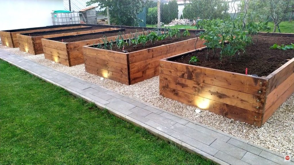 What do I Put on the Bottom of  a Raised Garden Bed
